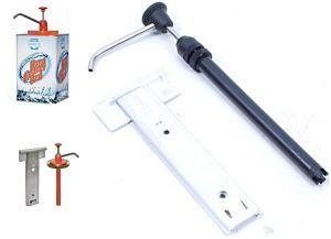 Dispenser/pomp + muurhouder voor blik garagezeep  4.5 LTR!